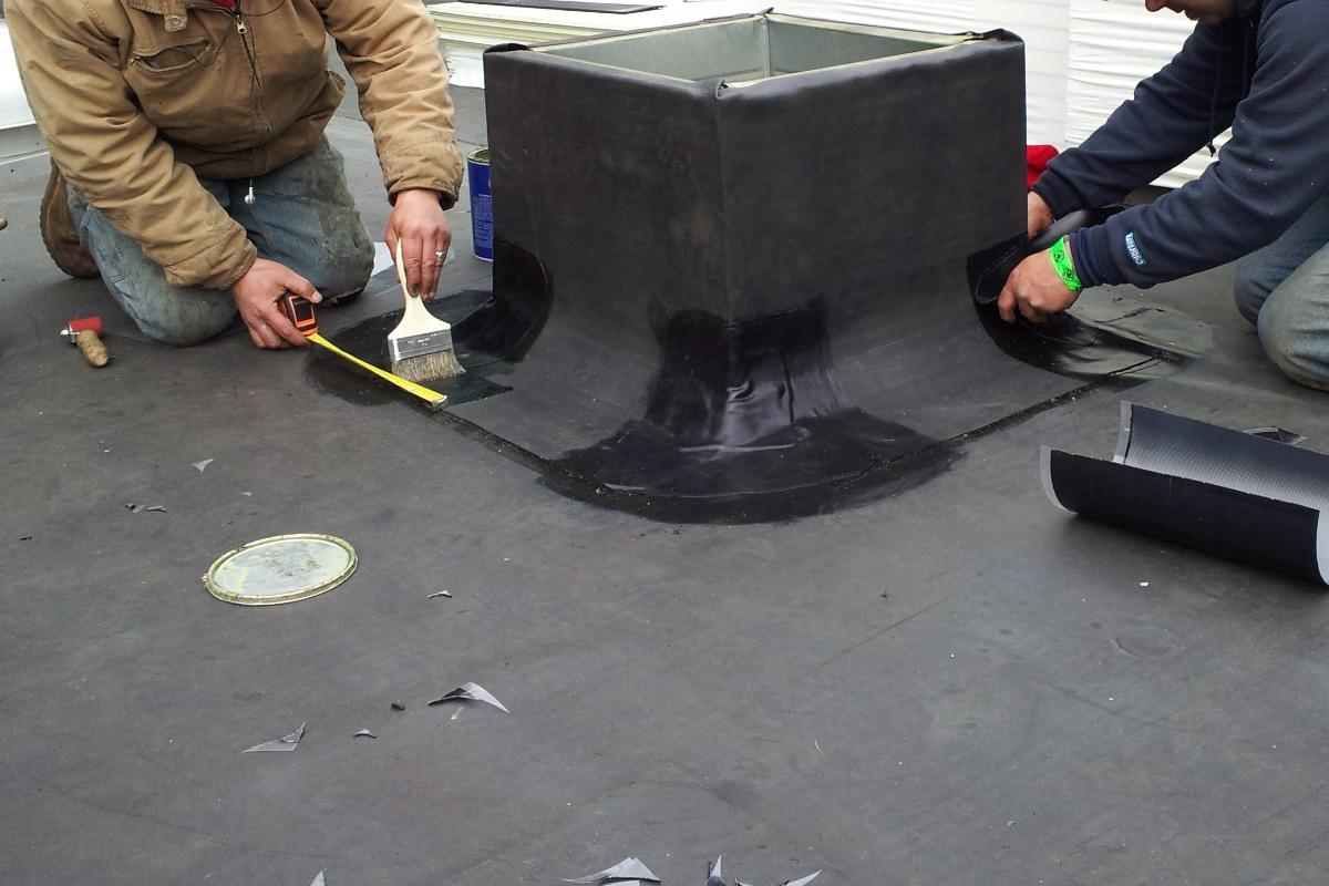 EPDM plaatsen op platte daken