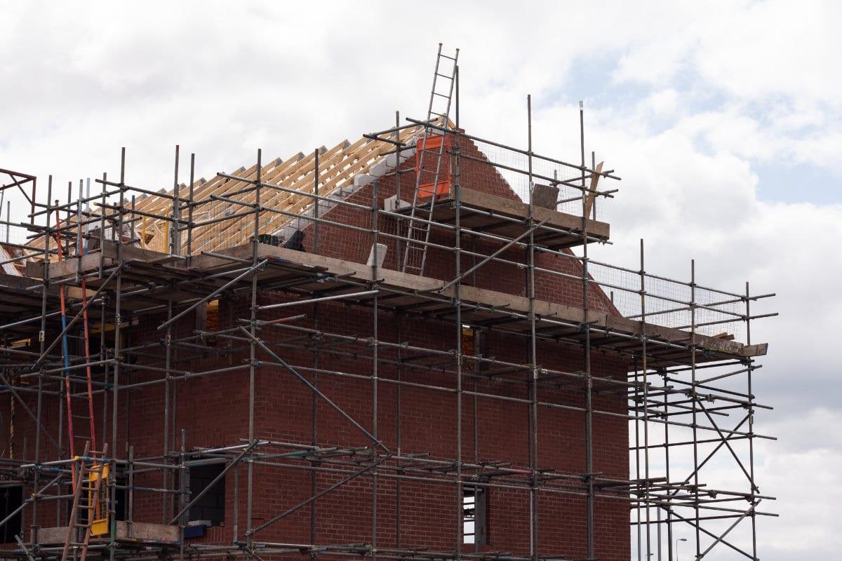 Nieuw dak plaatsen: wat zijn de mogelijkheden voor dakvernieuwing?