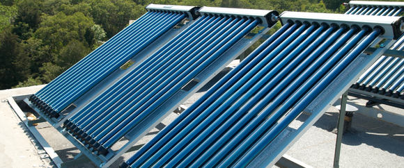 zonneboiler op een plat dak